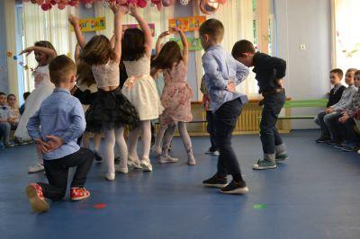 Танцуваме и се забавляваме - ДГ 133 Зорница - София, Изгрев