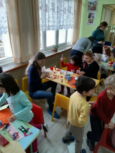 Родители,баби и дядовци помагат - ДГ 133 Зорница - София, Изгрев